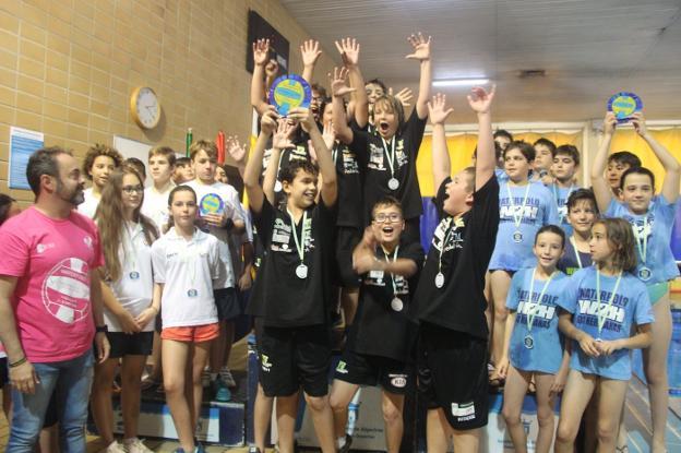 El Waterpolo Málaga alevín prolonga la racha y se hace con el VI Torneo Feria de Algeciras