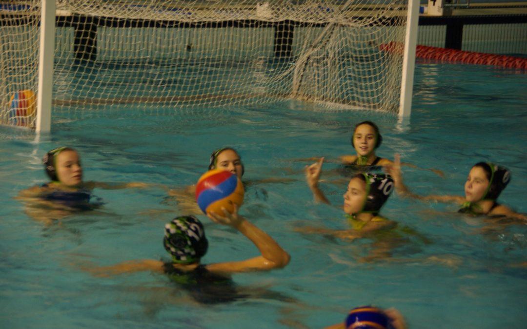 ¿Por qué tu hija debería jugar a waterpolo?
